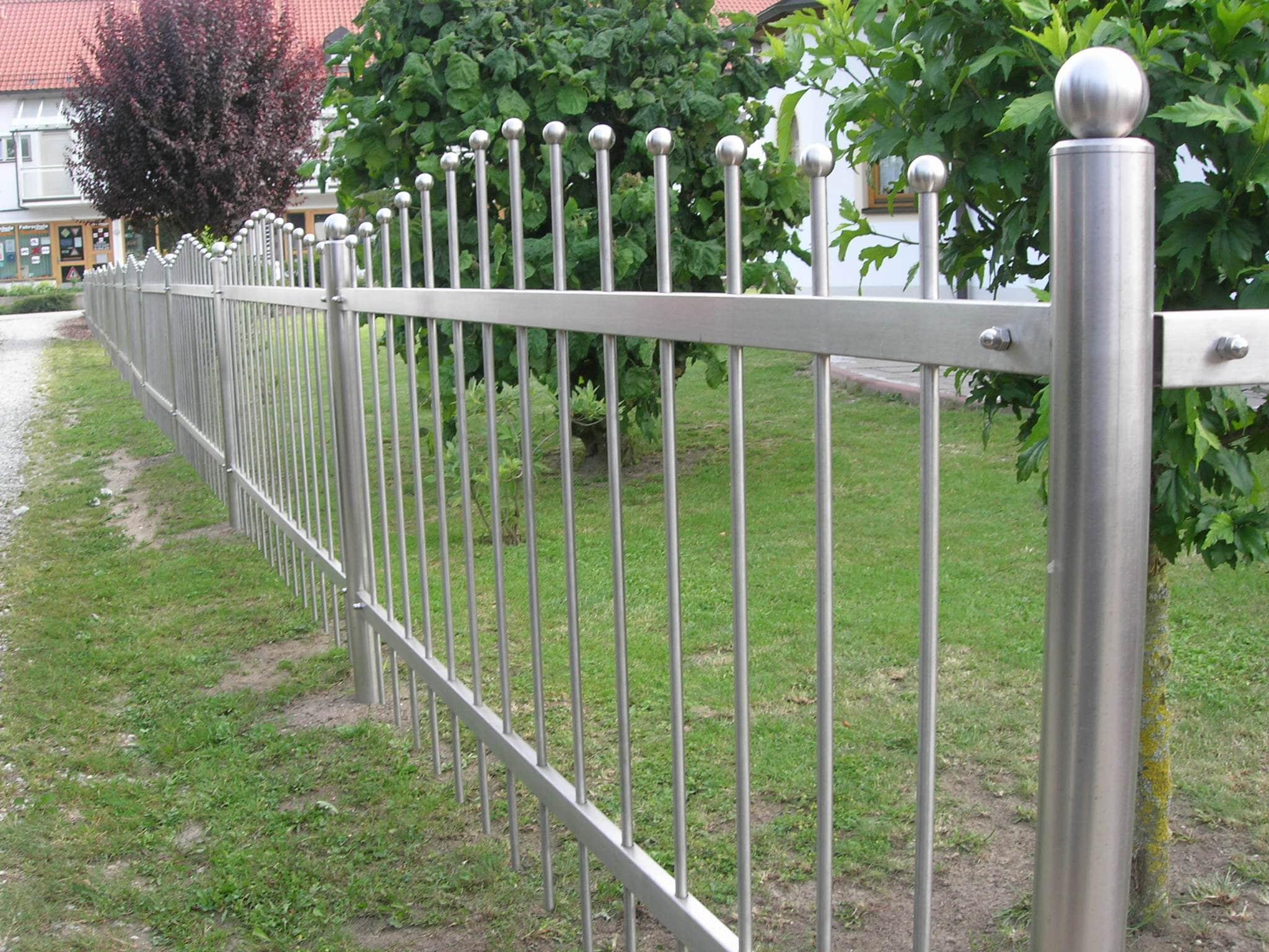 Zaun aus Edelstahl