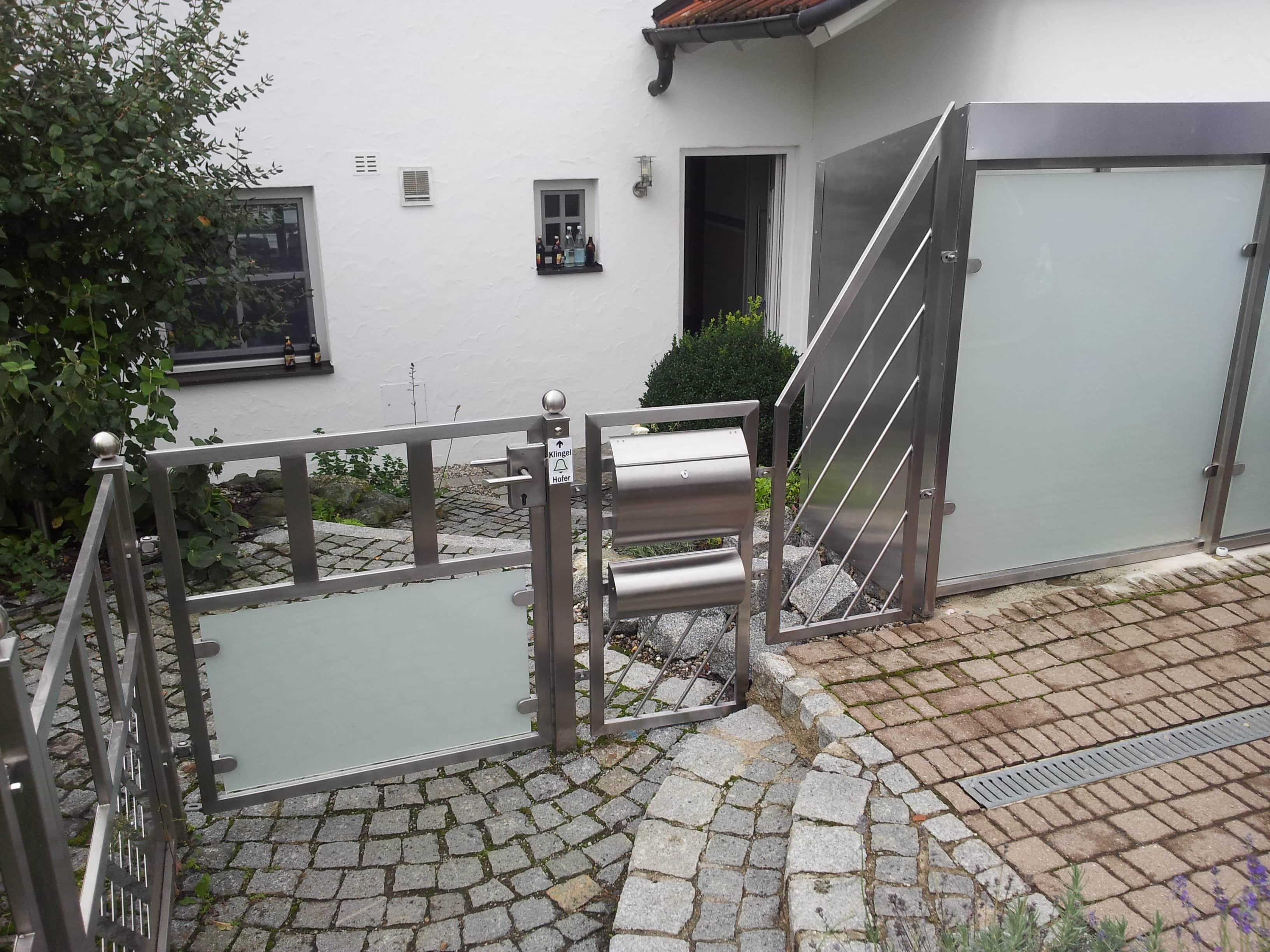 Zaun inkl. Mülltonnenhäuschen - Blickdicht, mit satiniertem Glas