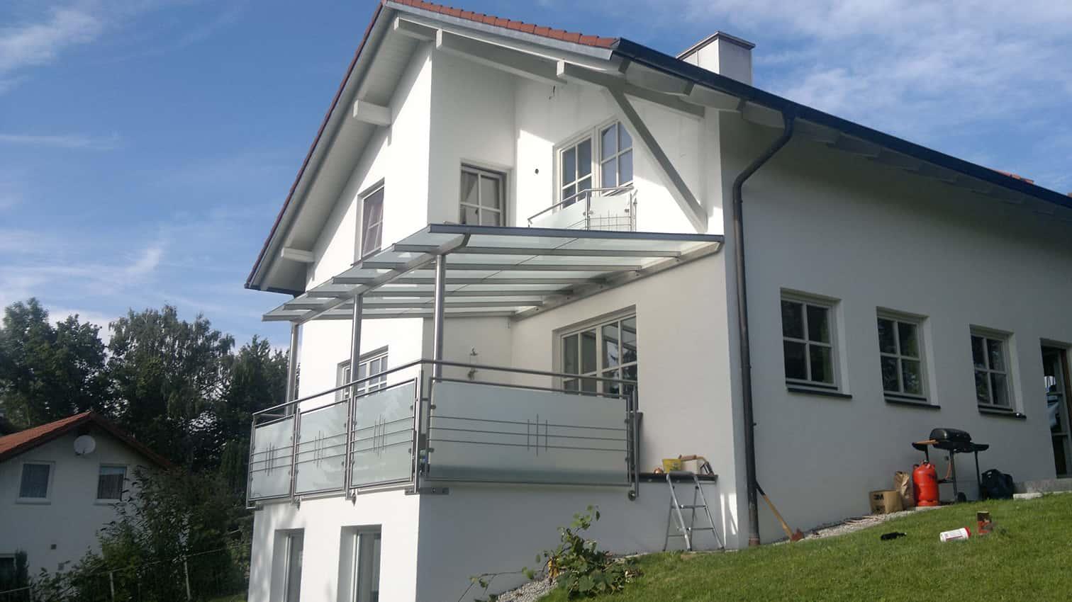 Vordach als Sonnen und Wetterschutz