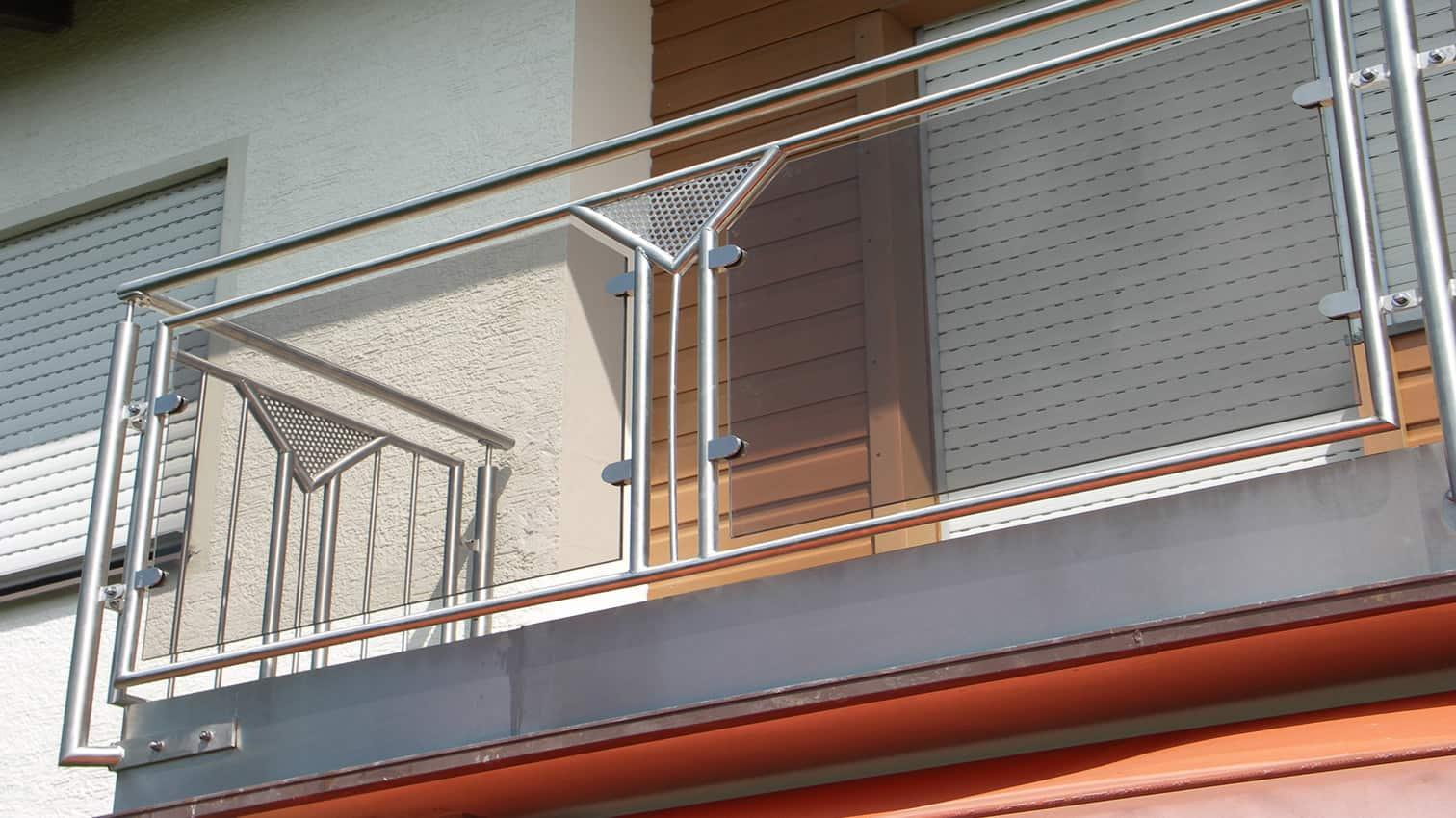 Balkon mit Glaseinsatz
