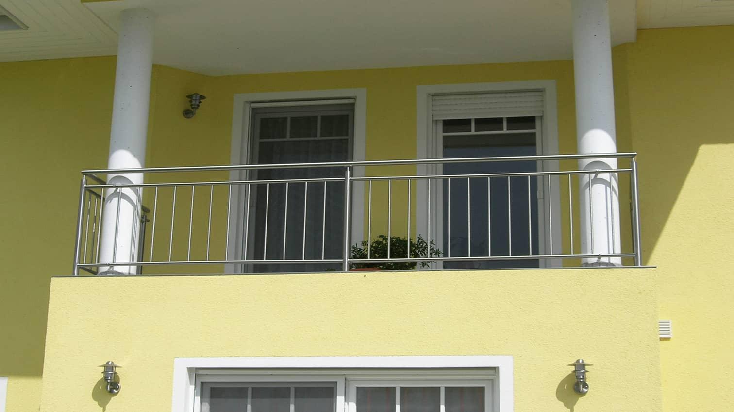Balkon aus Metall