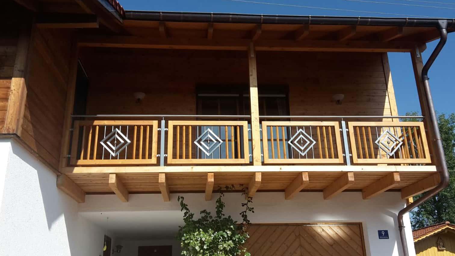 Balkon mit Edelstahleinsatz